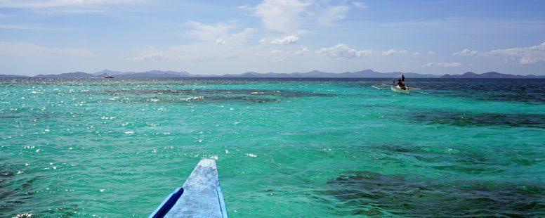 Suscribete y siguenos en redes Mar turquesa en Coron en Filipinas